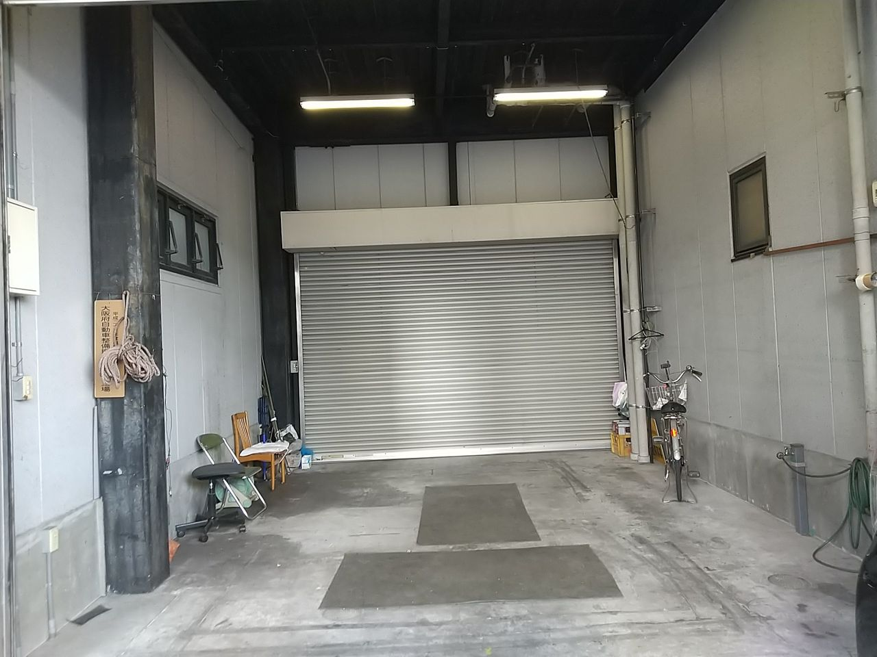 国道25号線沿い倉庫