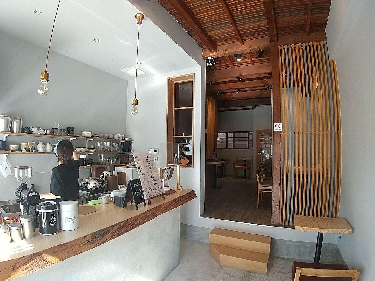 今川にお洒落なカフェ